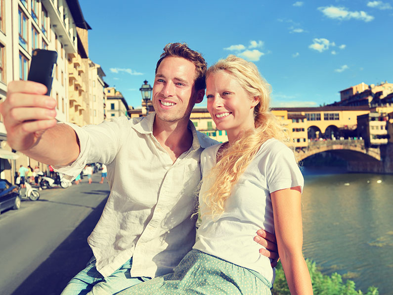 How to Take the Best Vacation Selfies