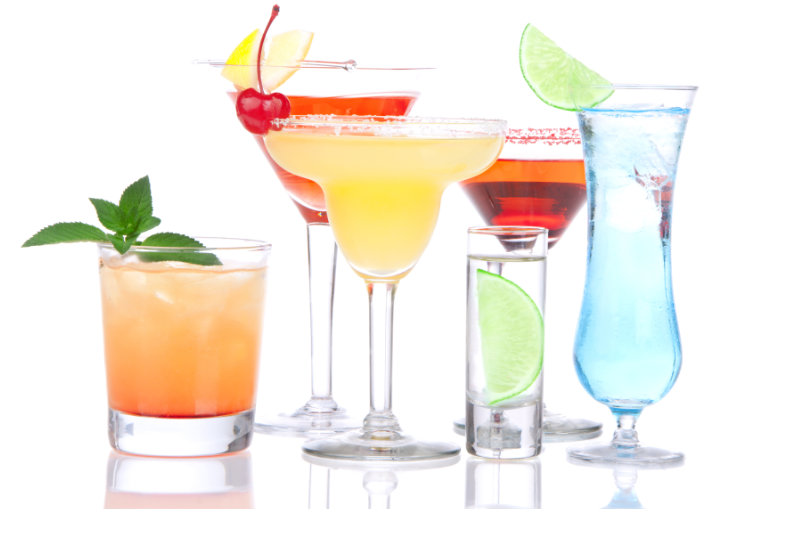 What Glasses to Use for Your Favorite Summer Beverages